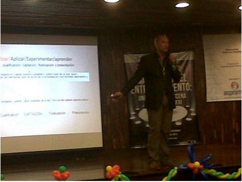 José Cantero en Congreso ocio y entretenimiento de la Universidad Piloto de Bogotá