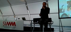 José Cantero. Consultor y formador y conferenciante Marketing experiencial. Speaker corner. Salón de Moda de Madrid