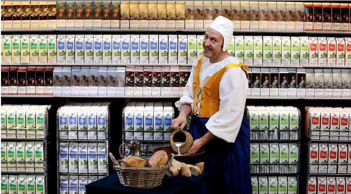 Qu hace la obra la lechera de vermeer anunciando una - La lechera de vermeer ...