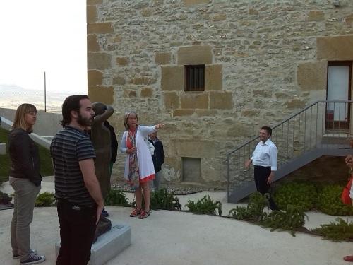 Con mis compañeros de visita y los responsables de la Fundación