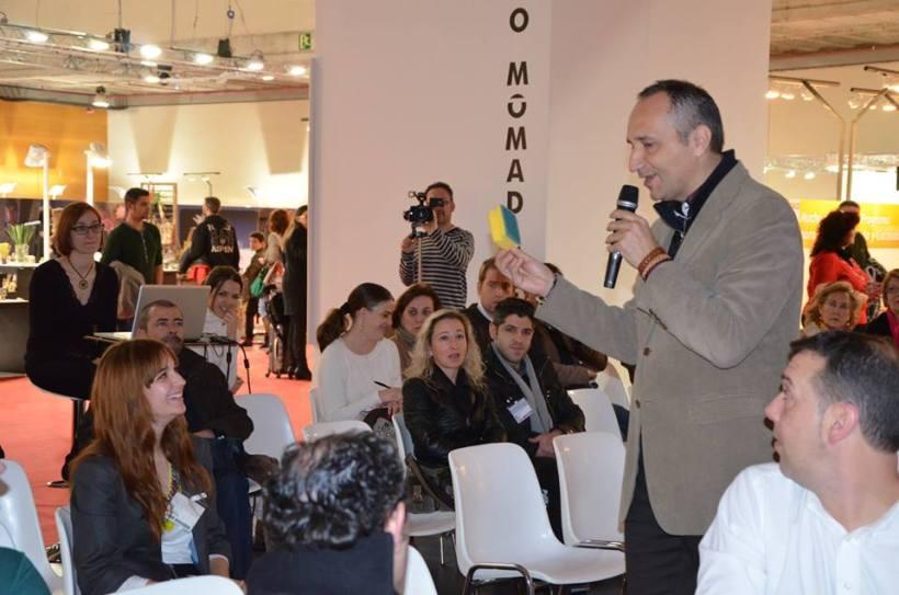 José Cantero interactuando con los asistentes
