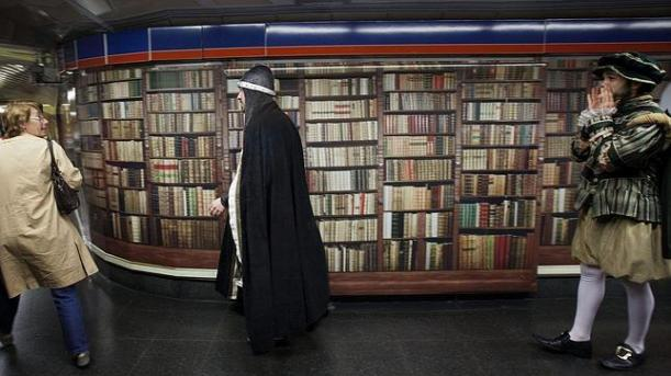 Viaja a otro mundos desde la linea 2 del Metro de Madrid