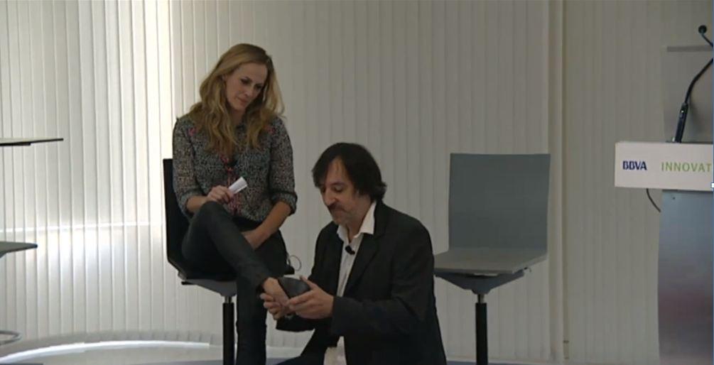 Actores de Vibook Bárbara y Óscar