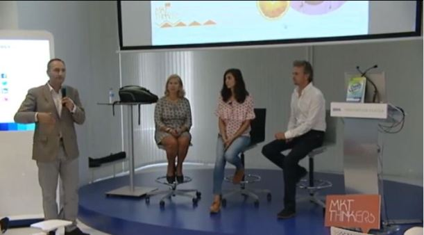 José Cantero moderando el Panel MarketingThinkers con Adriana Guevara, Yolanda, Dominguez y José Carlos León.