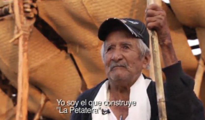 Mayordomo que dirige la construcción de la artesanía más grande del mundo