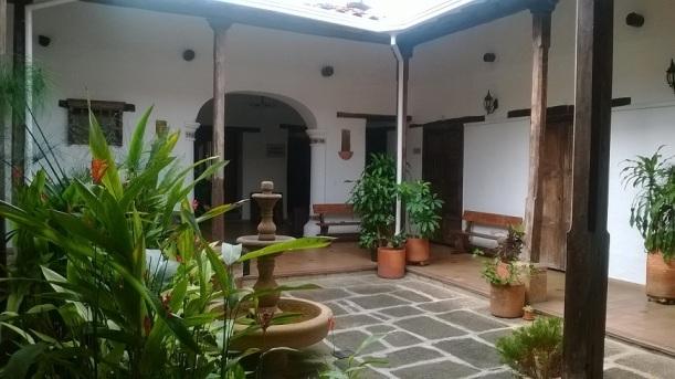 Patio Central de la cámara de comercio en San Gil