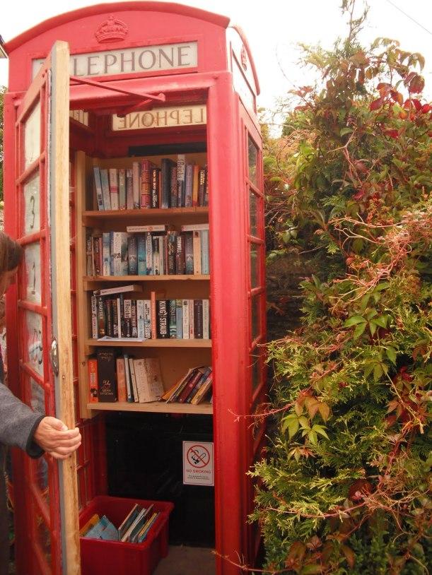 Cabina teléfonica biblioteca