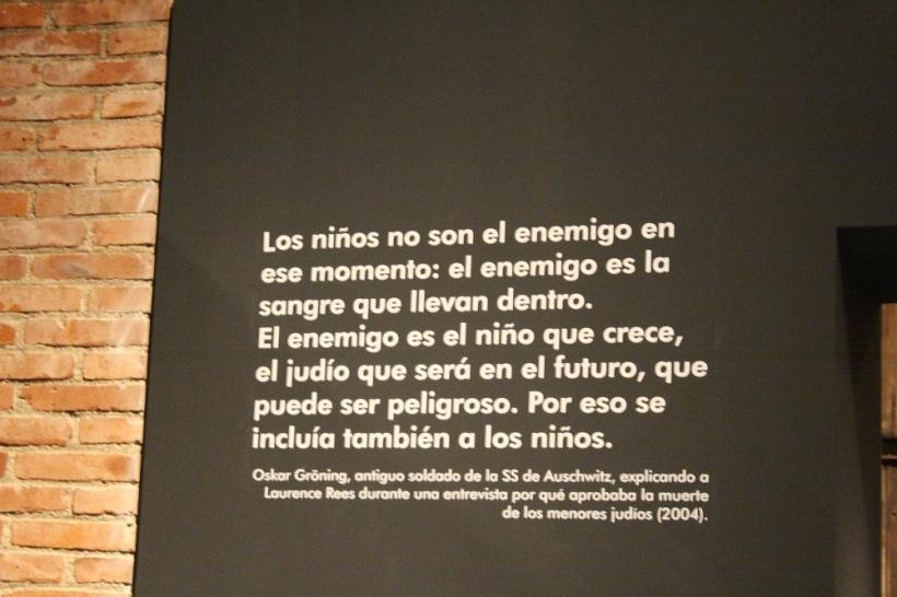 Auschwitz Exposición mensaje.jpg